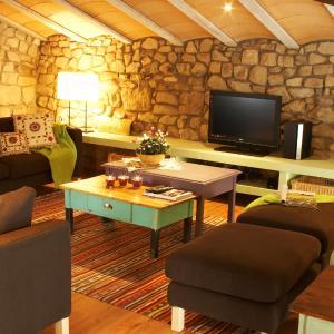 Hotel Pictures: Ca n'Aleix, Verdú