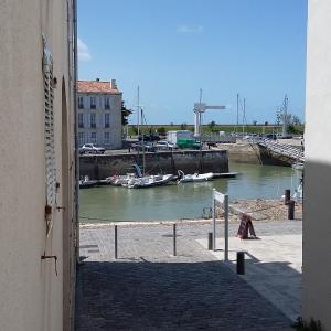 Hotel Pictures: 21 Quai Vauban, Saint-Martin-de-Ré
