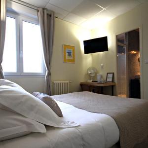 Hotel Pictures: Les Rives De Saint Brice, Arès