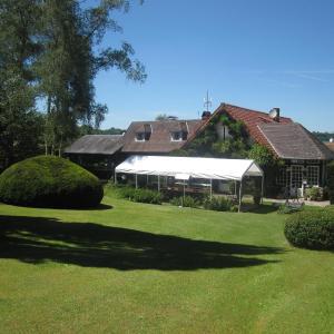 Hotel Pictures: La Croix du Reh, Châteauneuf-la-Forêt