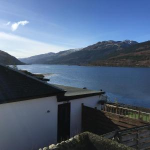 Hotel Pictures: Attic Apartment, Arrochar