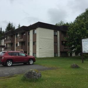 Hotel Pictures: Sandalwood - 100 Baxter, Kitimat