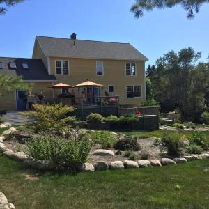 Hotel Pictures: Magnificent Three Bedroom Home, Western Shore