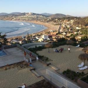 Hotel Pictures: Edificio Punta Surf, Maitencillo