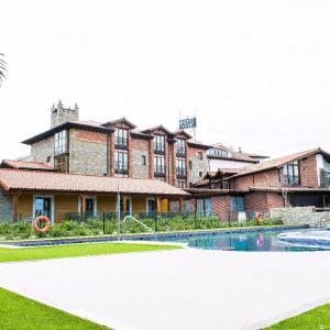 Hotel Pictures: Hotel Marfrei, Hinojedo