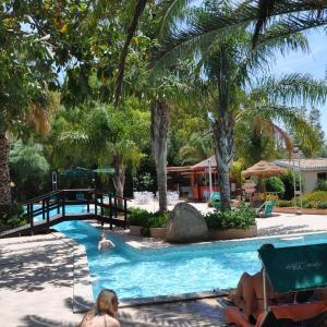Hotel Pictures: Green Village Resort, Villasimius