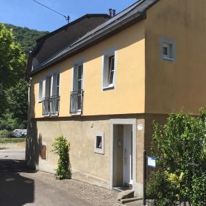 Hotel Pictures: Ferienhaus Ausonius, Neumagen-Dhron