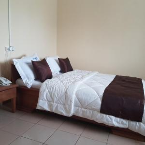 Hotel Pictures: Hotel Service Plus, Douala