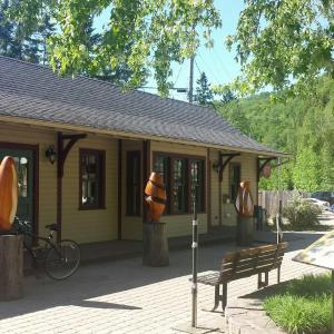 Hotel Pictures: Village Pinoteau Resort, Mont-Tremblant