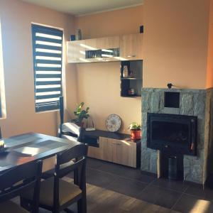 Hotellikuvia: Guest House IV, Dzhinot