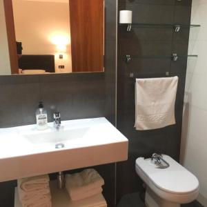Hotel Pictures: Apartamentos Turisticos Torico Amantes, Teruel