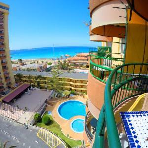 Hotel Pictures: Torres del Sol, Playa de las Americas