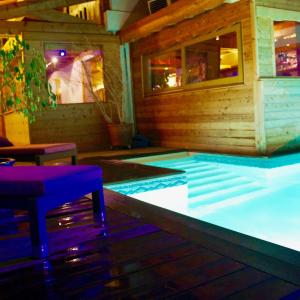 Hotel Pictures: La Perelle, Saint-François-Longchamp