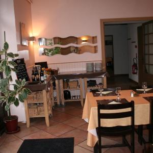 Hotel Pictures: Auberge Le Saint Georges, Saint-Georges-de-Mons