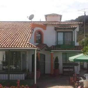Hotel Pictures: La Cabaña, Tinjacá