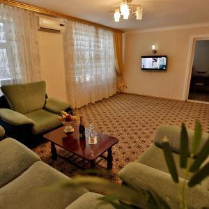 Фотографии отеля: Apartment Shotemur in City Center, Душанбе