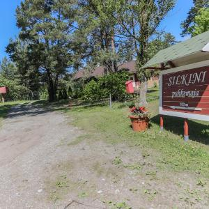 Hotel Pictures: Silkini Guest House, Uulu