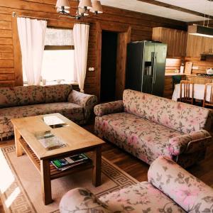 Hotel Pictures: Lehtla Holiday House, Karala