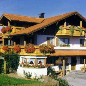 Hotel Pictures: Gaestehaus-Kerpf-Ferienwohnung, Nesselwang