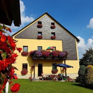 Hotelbilleder: Ferienwohnung-Am-Schloessel-fuer-2-4-Personen-in-Oberwiesenthal, Oberwiesenthal
