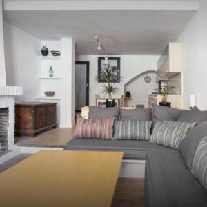 Hotel Pictures: Apartament del Pou, Sant Mori