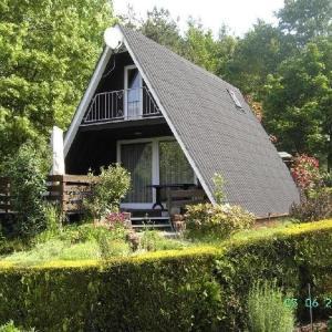 Hotelbilleder: Ferienhaus-Rosensteig-127-im-Eichwald, Gossersweiler-Stein