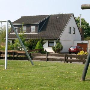 Hotel Pictures: Ferienhaus-Allin-FW-3, Westerdeichstrich