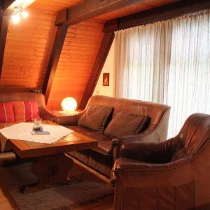 Hotel Pictures: Ferienhaus-Mohnblume, Ronshausen