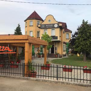 Fotografie hotelů: Casetta Pizza bar & Rooms, Banja Luka