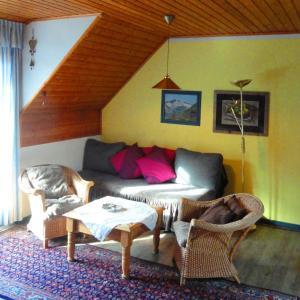 Hotellbilder: Haus-Krista-Apartment-Heide-Garten-und-Goldeckblick, Seeboden
