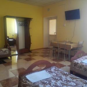 Hotel Pictures: Agrousadba u Leonida, Nyasvizh