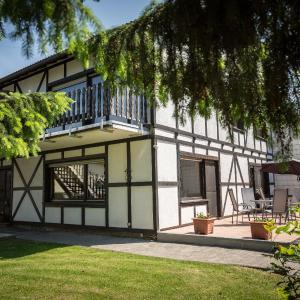 Hotel Pictures: Ferienpension Zum Hochscheid, Mayen