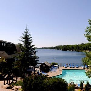 Hotel Pictures: Rocky Crest Golf Resort, MacTier