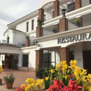 Hotel Pictures: Los Dólmenes, Antequera