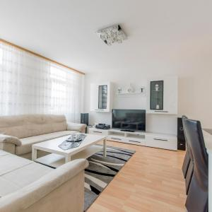 Hotel Pictures: Gleidingen Privatapartment (6299), Hannover