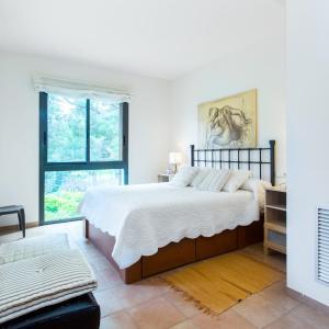Hotel Pictures: Bonmont golf chalet, Bonmont Terres Noves