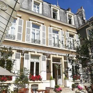 Hotel Pictures: Enclos de l'Evêché, Boulogne-sur-Mer