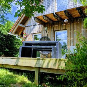 Hotelbilleder: Idyllisches Holzhaus in traumhafter Umgebung, Waldburg