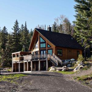 Hotel Pictures: Aksotha 4BR Chalet - Domaine Val Nature, Saint Come