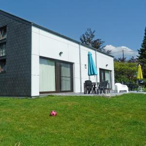 Hotel Pictures: Holiday Home Au bord du Lac.2, Butgenbach