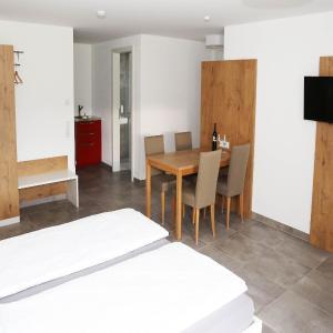 Hotelbilleder: Ferienwohnungen am Weingut Sonnenhof, Vaihingen an der Enz