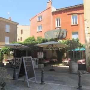 Hotel Pictures: Hôtel Restaurant le Saint Marc, Aups
