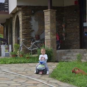 Hotelbilleder: Family Hotel Balkana, Apriltsi