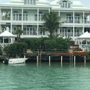 Hotel Pictures: February Point Resort BB1, Georgetown