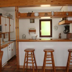 Hotel Pictures: Holiday Home Le Bois du Kador, Morgat