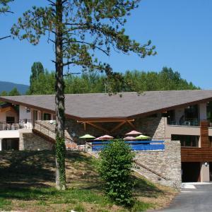 Hotel Pictures: Le Pré du Lac, Saint-Jorioz