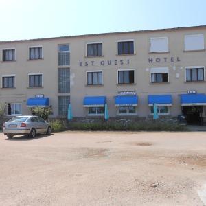 Hotel Pictures: Est-Ouest, Doyet