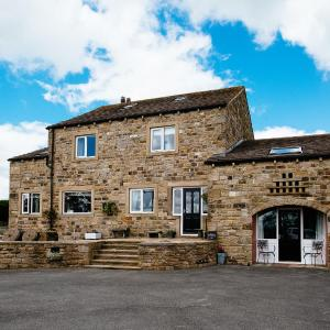 Hotel Pictures: Pickersgill Manor Farm, Silsden