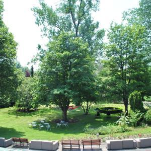 Hotelbilder: La Roseraie. Gaume-Ardenne-lacuisine sur Semois., Florenville