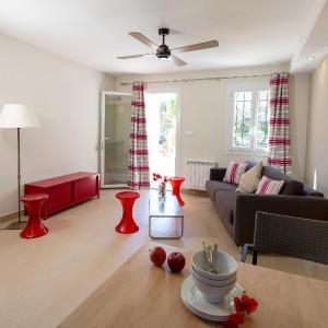 Hotel Pictures: Apartment Résidence Ile des Embiez.3, Le Brusc